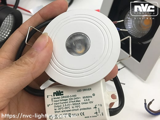 NLED1171 2W – Đèn rọi LED âm trần đa ứng dụng (chiếu sáng khẩn cấp, chiếu tủ rượu,…), thân nhôm đúc, mắt vân kim cương chống chói