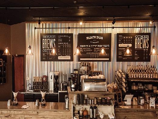 den-roi-ray-den-led-chieu-sang-quan-cafe