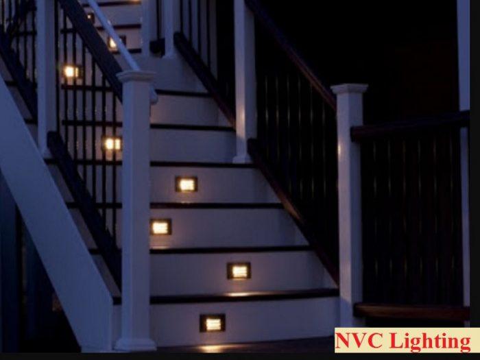 Đèn âm bậc cầu thang