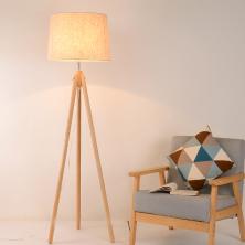 Đèn cây 3 chân bằng gỗ, chao vải trang trí NVS-4015